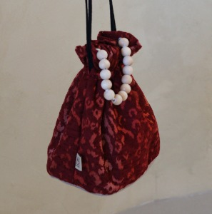 poppy bucket bag _ cherry leopard